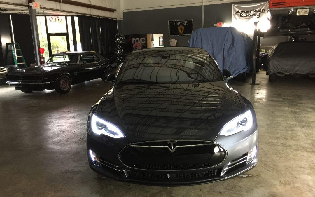 2014 Tesla P90D